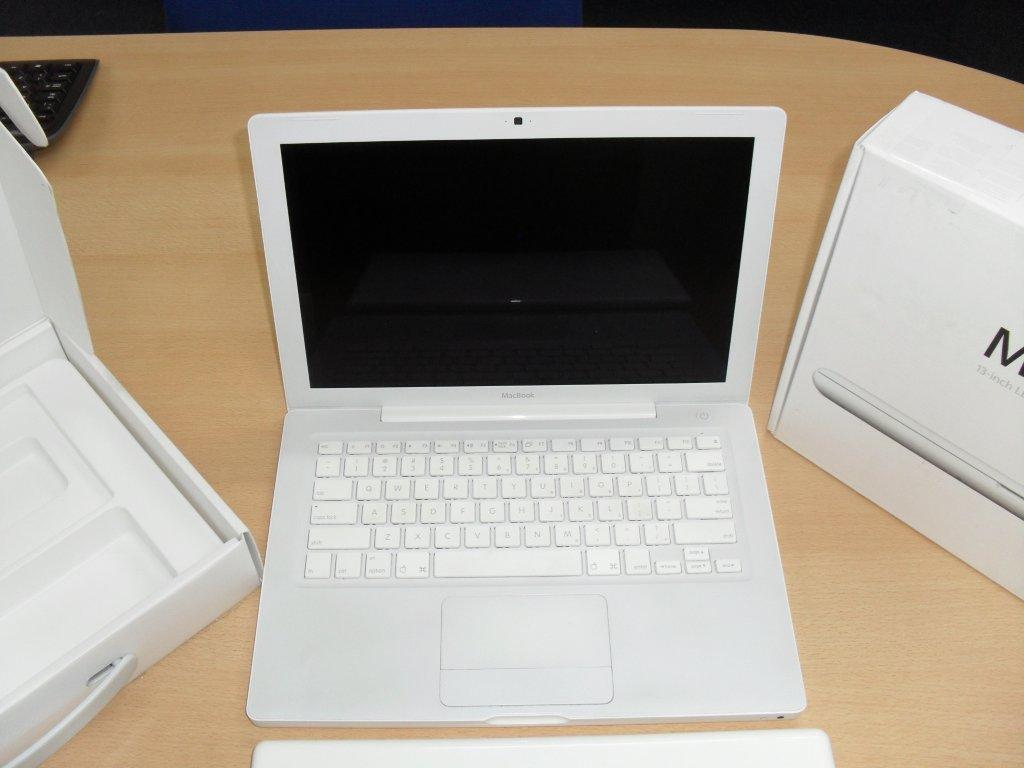 Apple Macbook wholesale offer from Stock Sourcing